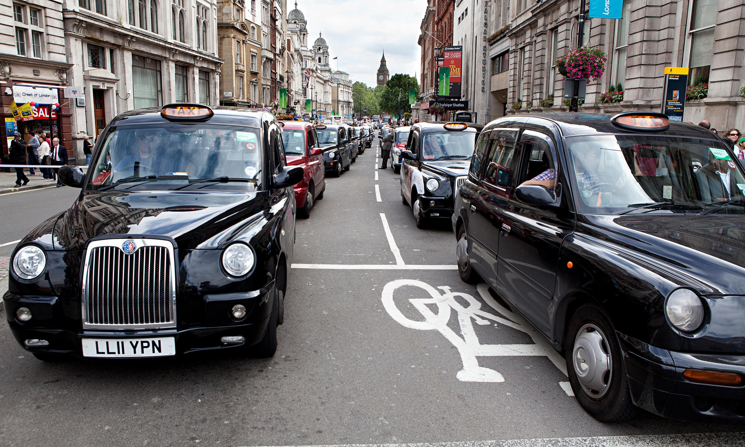 Black Cabs In London 014 Uber The Smartphone App That Is Driving Cabbies To