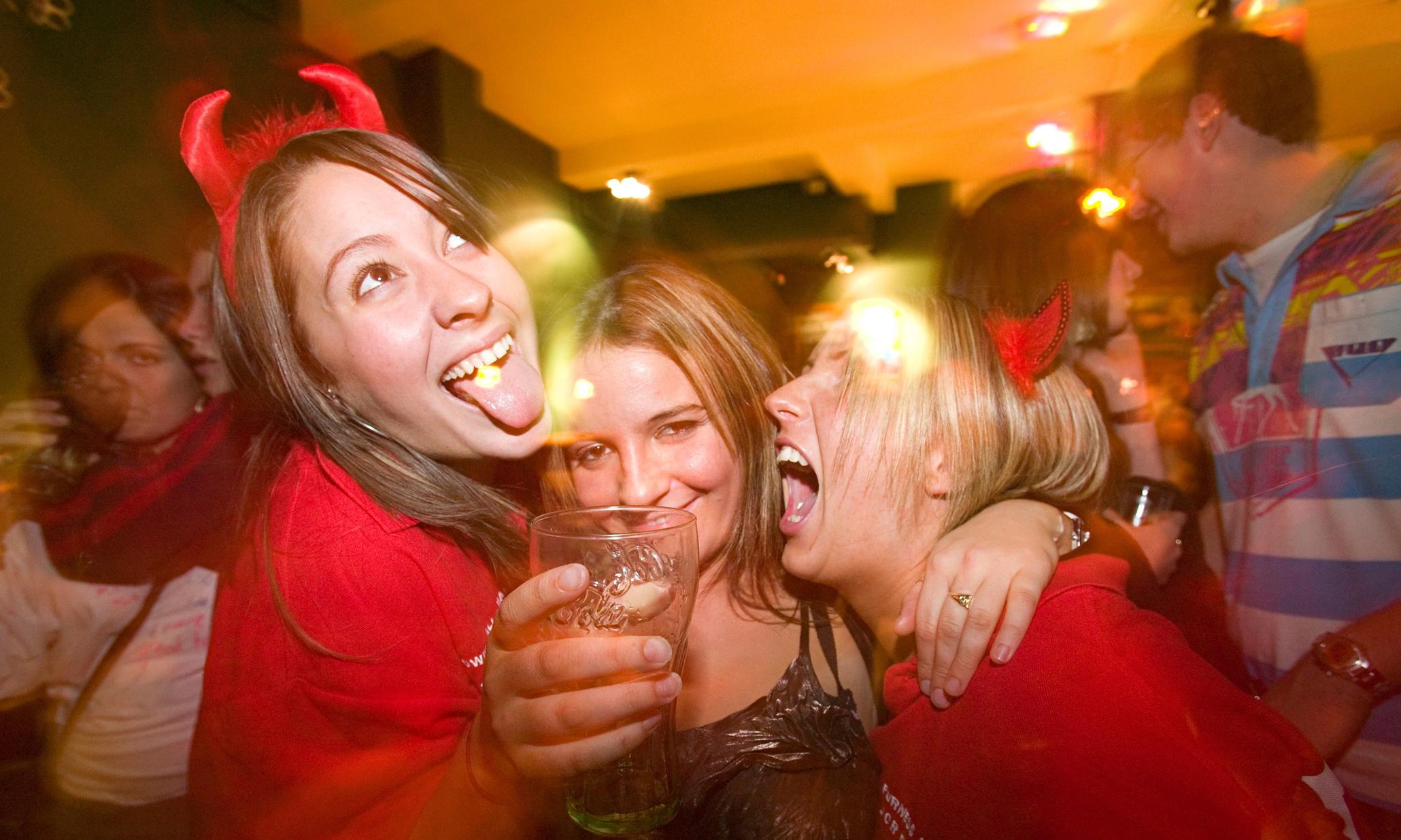 Фото подвыпивших женщин 3 фотография