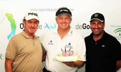 Jose Maria Olazabal and Miguel Angel Jimenez presented a cake to Colin Montgomerie