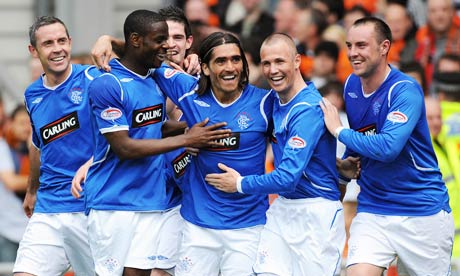 Pedro Mendes and Rangers players against Dundee United in Scottish Premier League