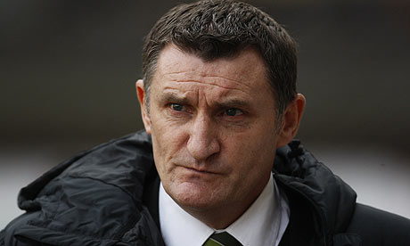 Patience runs thin at Parkhead as Tony Mowbray's Celtic project stalls | Ewan Murray | Football | The Guardian - tony-mowbray-001