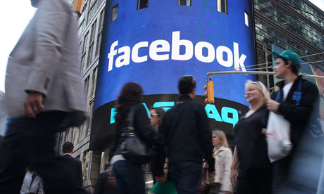 Facebook profits rise despite drop in US visitors to its website