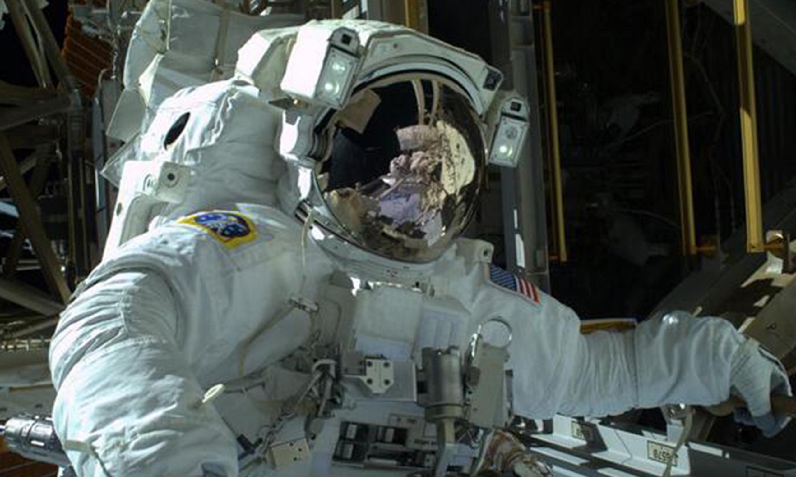 international space station astronaut spacewalk - photo #24