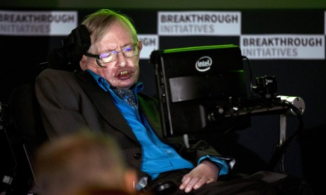 Stephen Hawking backs quest to find alien lifeforms – video
