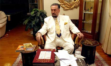 Thumbnail for Muslim creationist Adnan Oktar challenges scientists to prove evolution