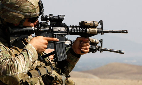 US-soldier-with-rifle-007.jpg