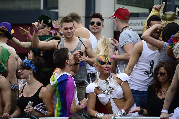 lady ga ga attracts gays