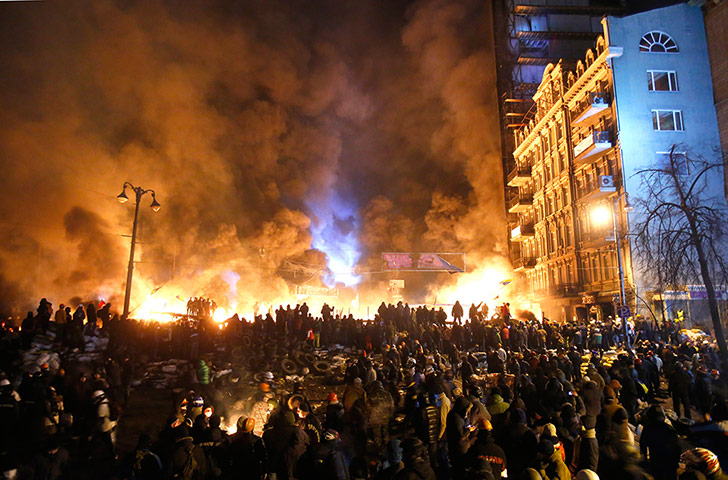 Riots continue in Ukraine - in pictures