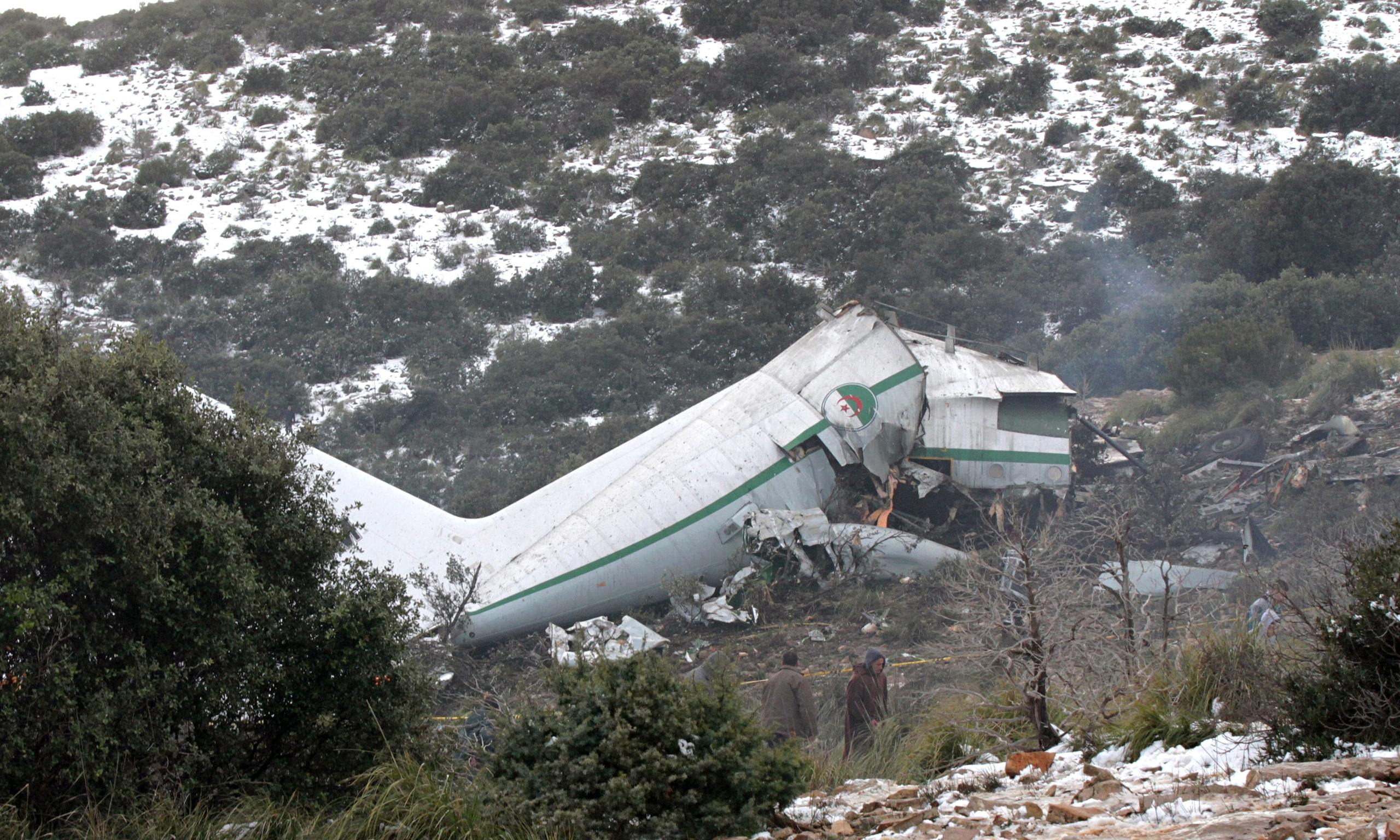 Plane Crash Bodies Photos Algeria-plane-crash-014.jpg