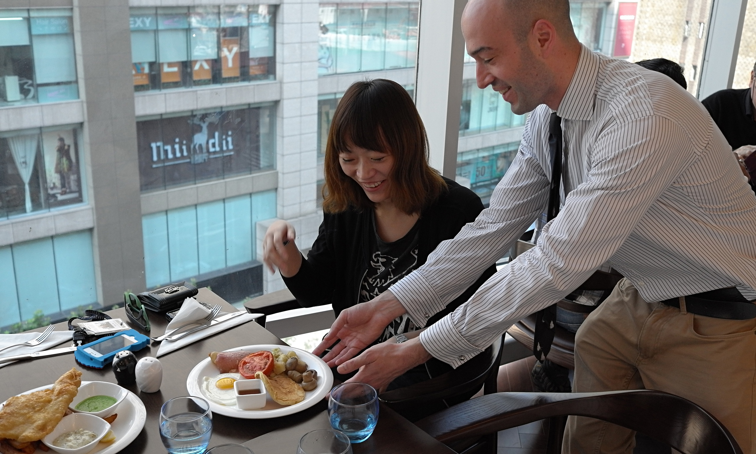 Why Shanghai diners love China's first British restaurant