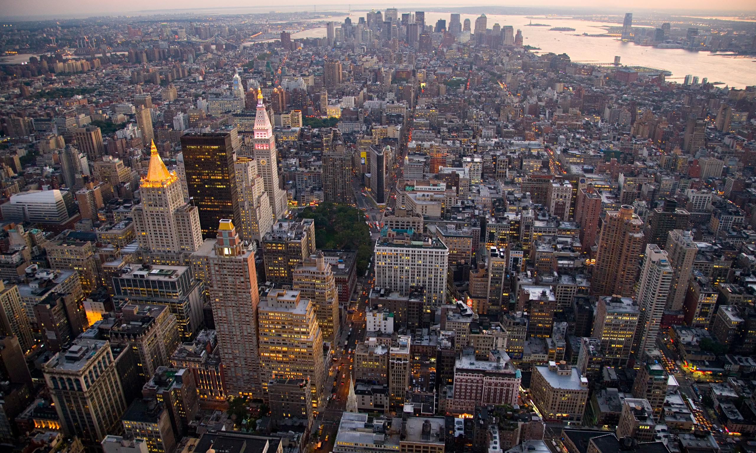 informative essay on new york city Welcome to the most ambitious exhibition ever assembled on the subject of slavery in new york on october 7, slavery in new york, a multimedia exhibition, reveals a history of which most people are unaware, illuminates the contributions of the enslaved and explores the role slavery played in the making of new york and the united states.