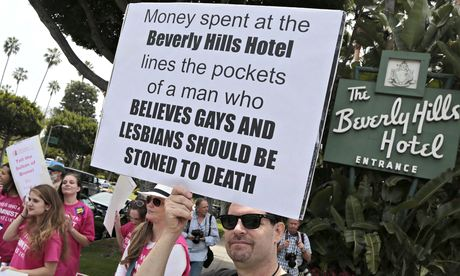 Anti Gay Protest Oscars 98
