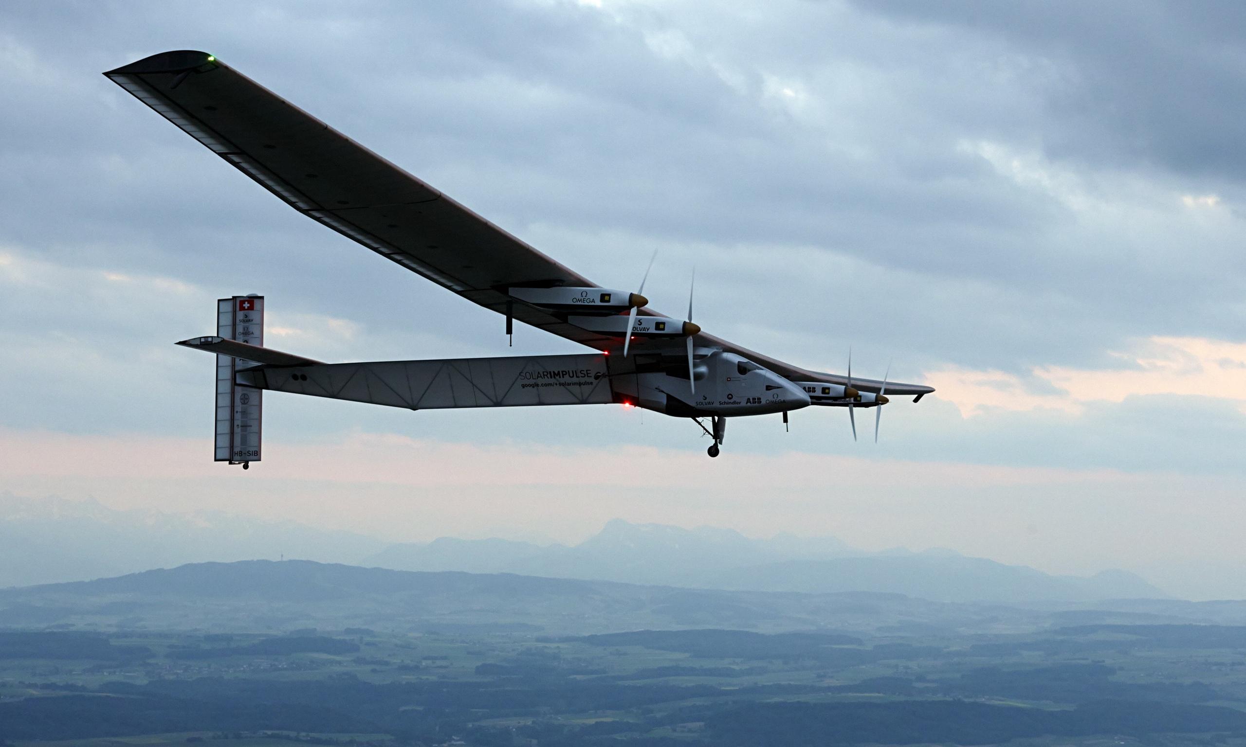 Solar Energy Plane Solar-powered-plane-014.jpg