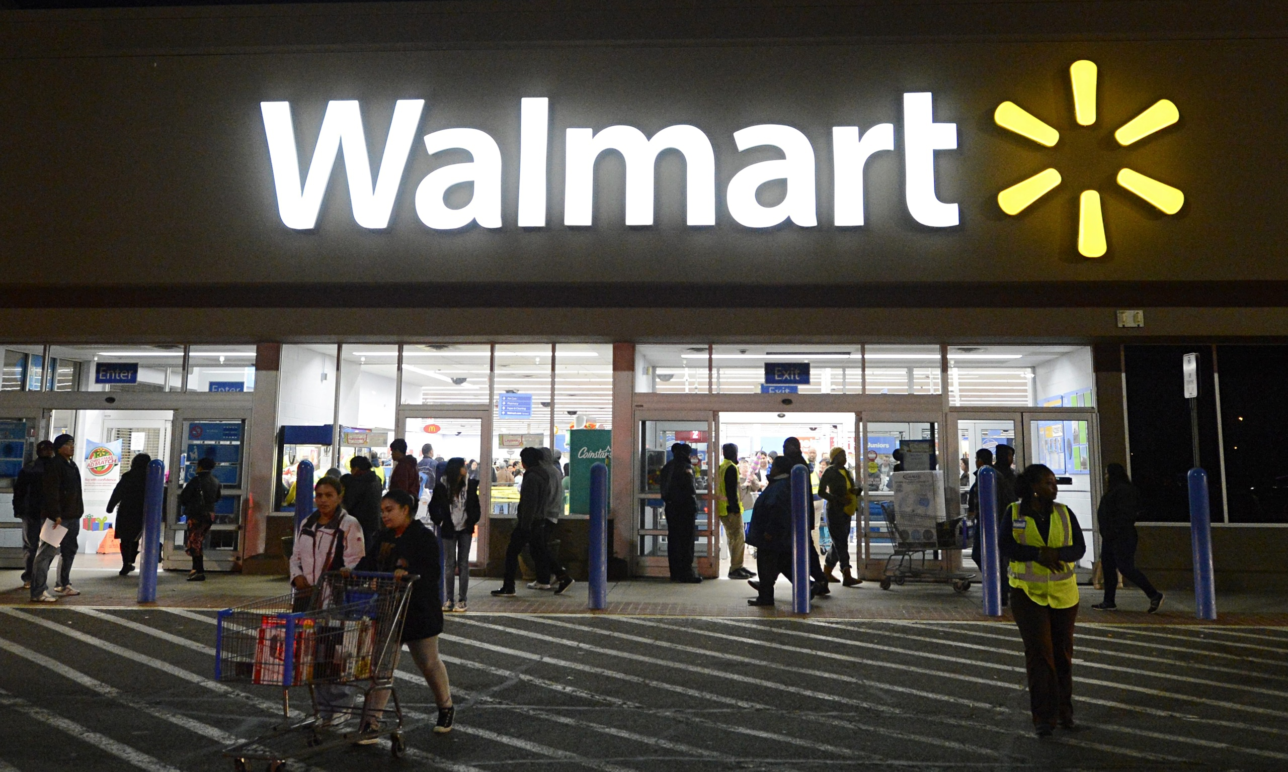 Walmart replaces head of struggling US business