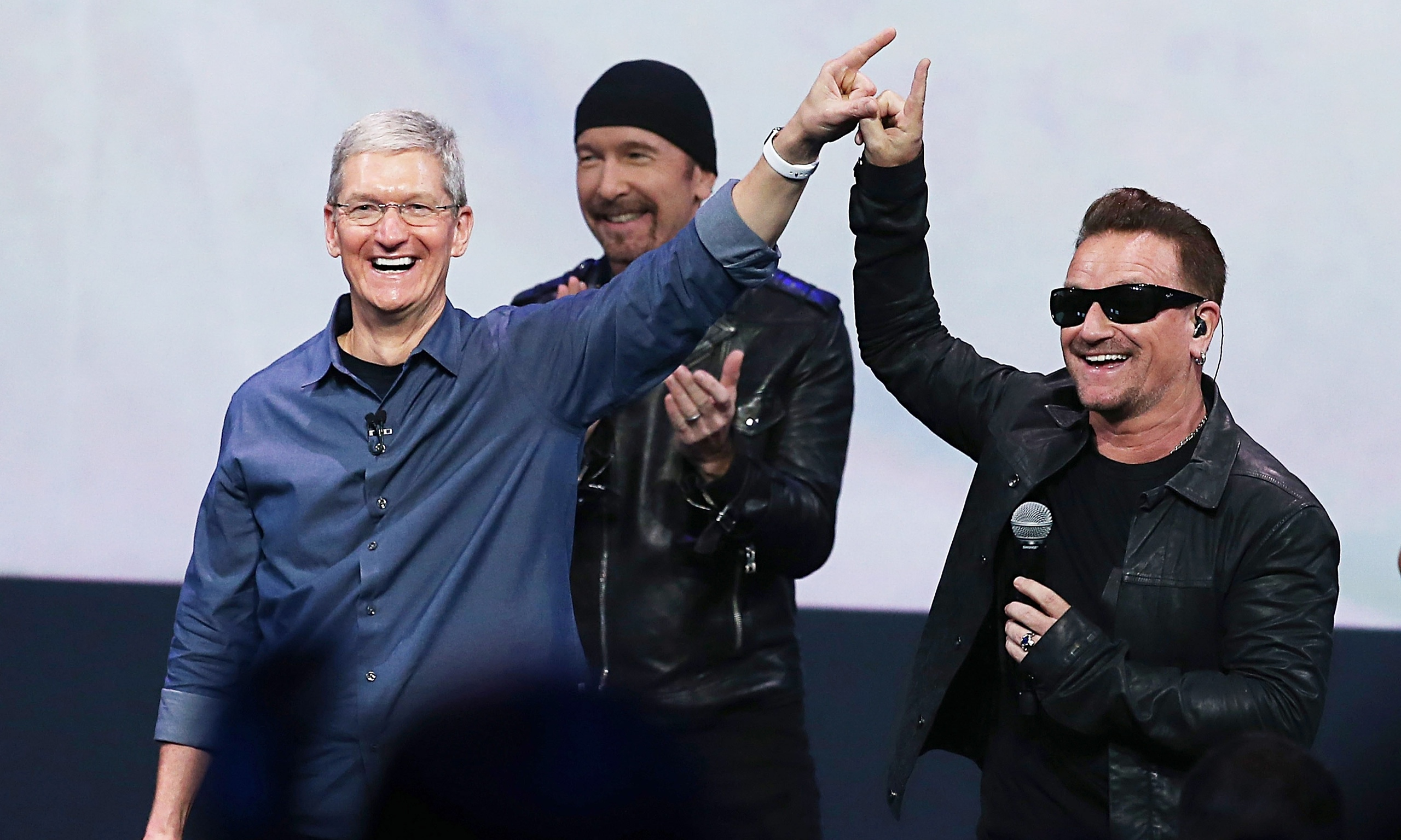 Half a billion iTunes customers receive latest U2 album for free