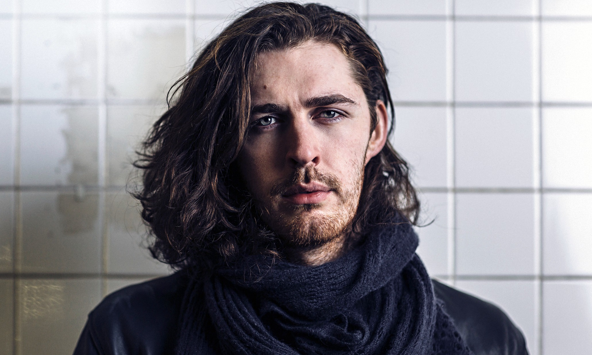 Hozier  - 2018 Regular brown hair & alternative hair style.