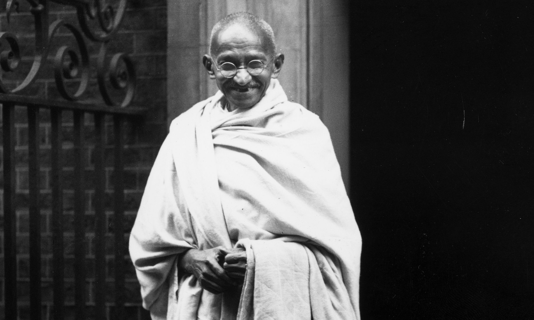 mahatma gandhi hinduism In this essay gandhi spoke about the definition of swadeshi, its relevance to hinduism, and what he thought about religious tolerance, conversions by.