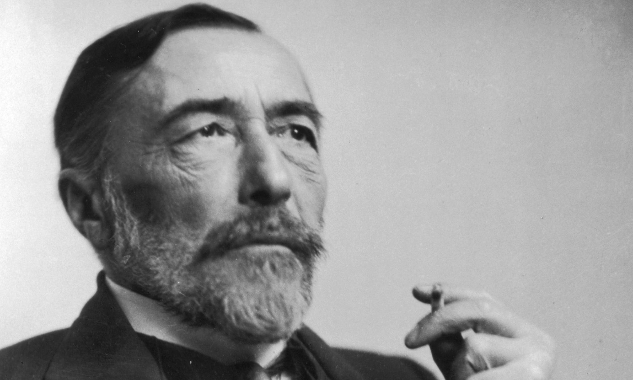 How Rich Is Joseph Conrad? Net Worth, Height, Weight