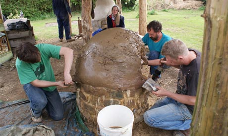 how to build a traditional wood-fired clay pizza oven