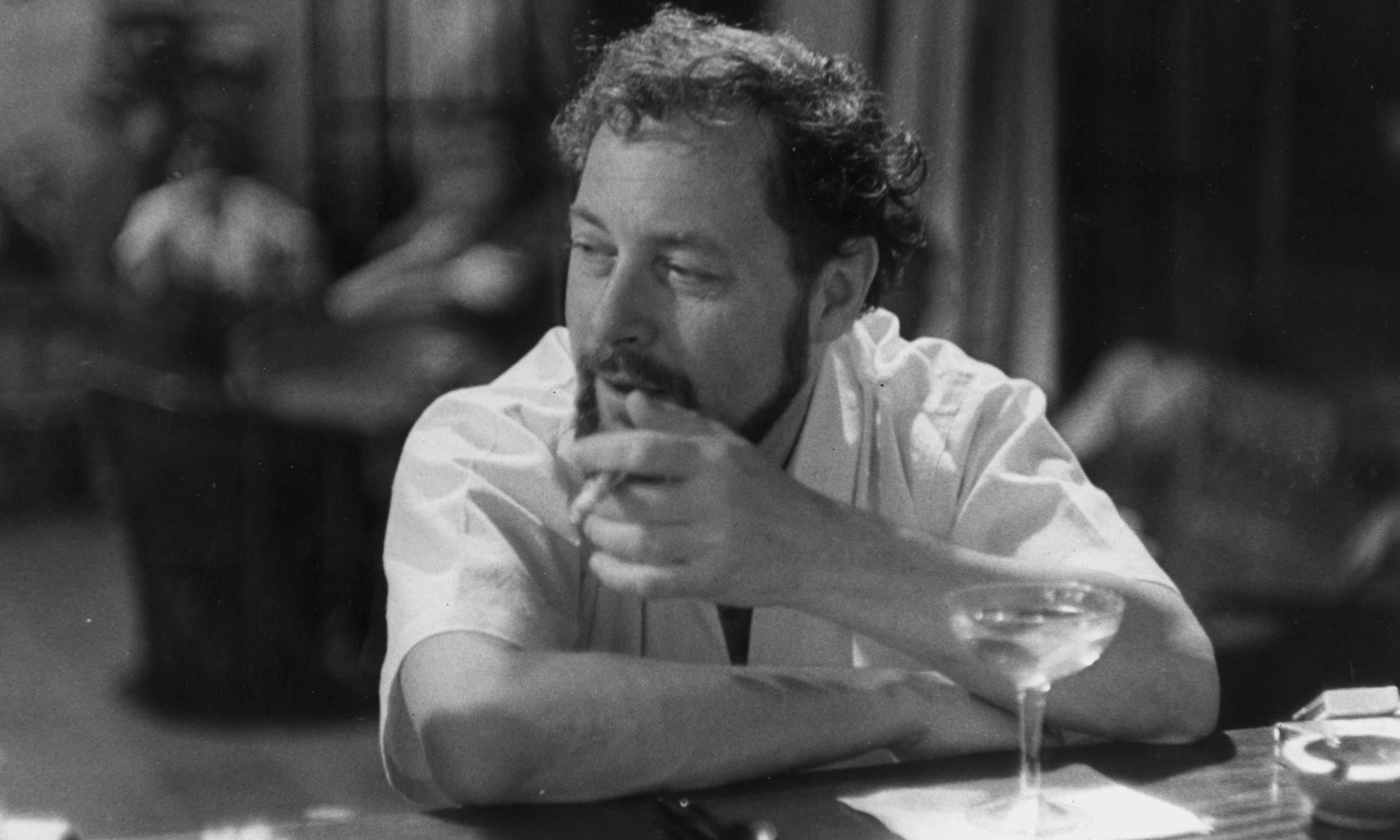 tennessee williams writing style A portrait of writer tennessee williams, who immortalized new orleans in plays  such as a streetcar  tennessee williams was one of the most important  playwrights of the twentieth century  chicago manual of style.