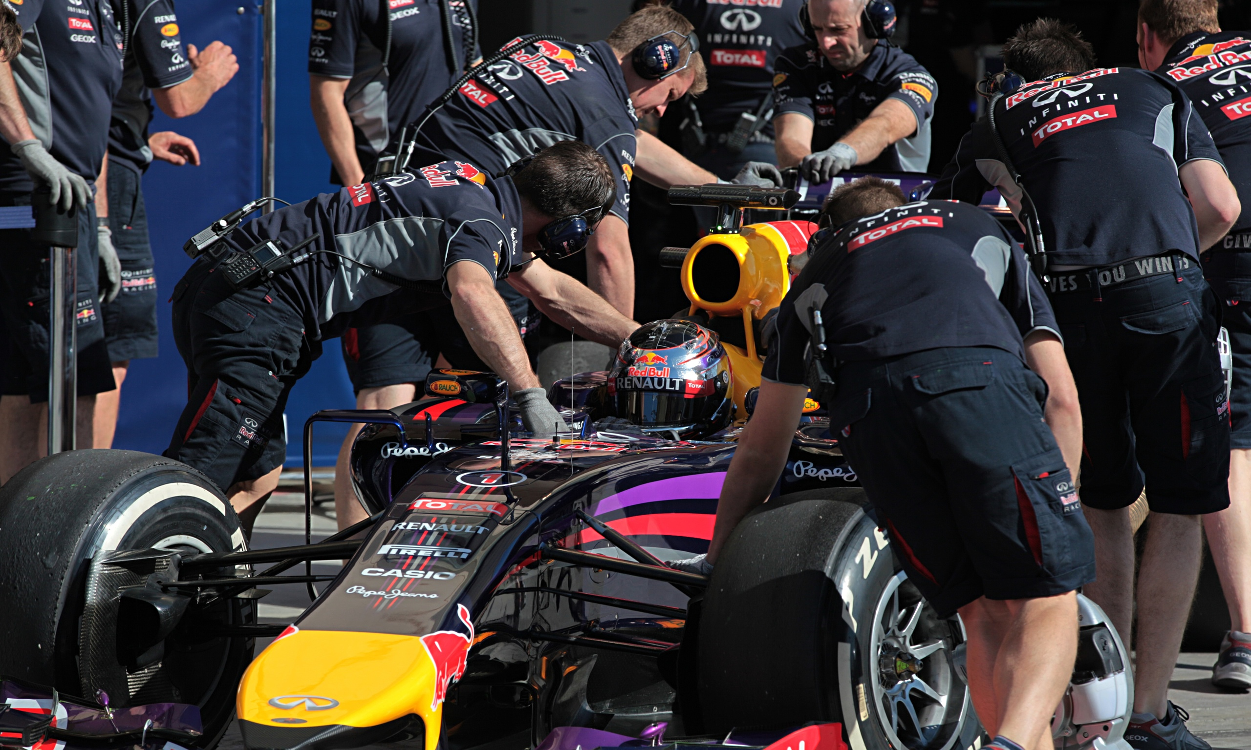 Red Bull And Sebastian Vettel Facing End Of Era After