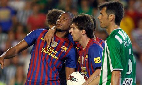 Photo of Seydou Keita & his friend football player  Messi - Barcelona