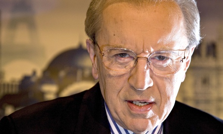 Warm words for David Frost come nine years too late | Media | The Guardian - David-Frost-in-Al-Jazeera-011