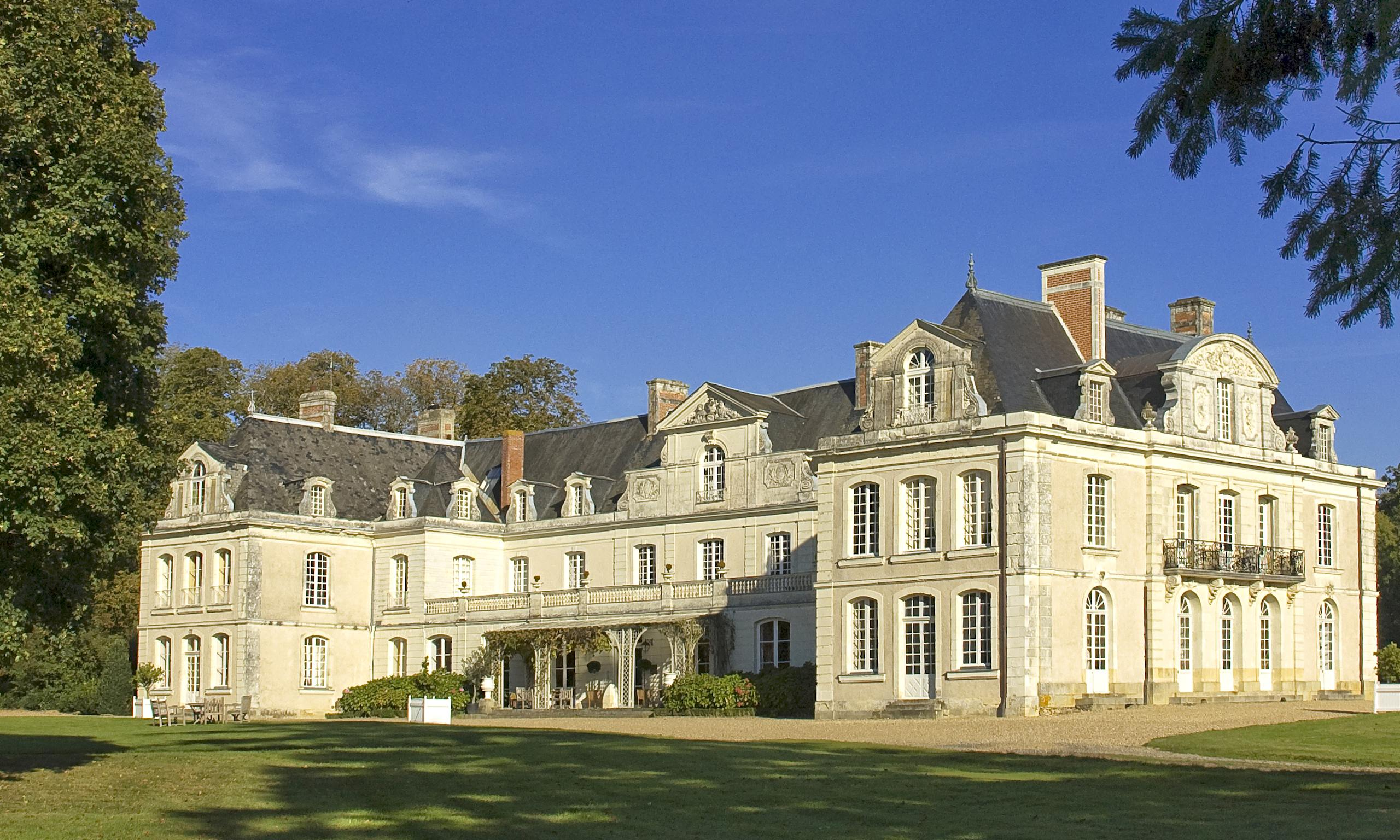 Top 10 Chateau Hotels In France Travel The Guardian